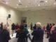 Asistentes escuchando a la Junta Directiva de la nueva AVV Reyes Católicos