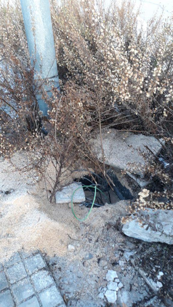 Abandono y robo de cable de las farolas